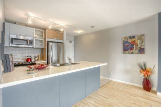 """Photo 4: 2109 9981 WHALLEY Boulevard in Surrey: Whalley Condo for sale in """"PARK PLACE 2"""" (North Surrey)  : MLS®# R2437673"""