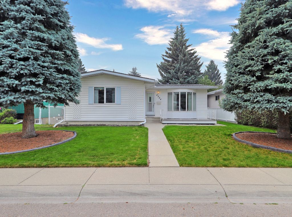Main Photo: 4224 Vauxhall Crescent NW in Calgary: Varsity Detached for sale : MLS®# A1132269