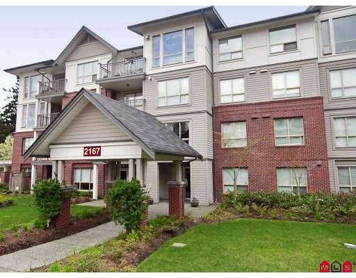 """Main Photo: 401 2167 152ND Street in White_Rock: Sunnyside Park Surrey Condo for sale in """"Muirfield Gardens"""" (South Surrey White Rock)  : MLS®# F2717812"""