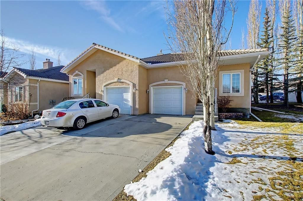 Main Photo: 3 SCIMITAR Rise NW in Calgary: Scenic Acres Semi Detached for sale : MLS®# C4203805