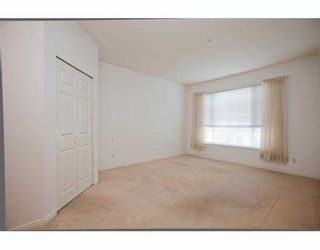 """Photo 4: 215 3098 GUILDFORD Way in Coquitlam: North Coquitlam Condo for sale in """"MALBOROUGH HOUSE"""" : MLS®# V946258"""