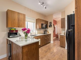 Photo 6: 27 SHANNON ESTATES Terrace SW in Calgary: Shawnessy Semi Detached for sale : MLS®# C4205904