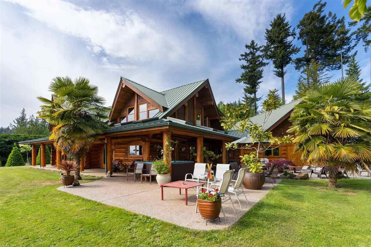 Main Photo: 2203 PIXTON Road: Roberts Creek House for sale (Sunshine Coast)  : MLS®# R2588736