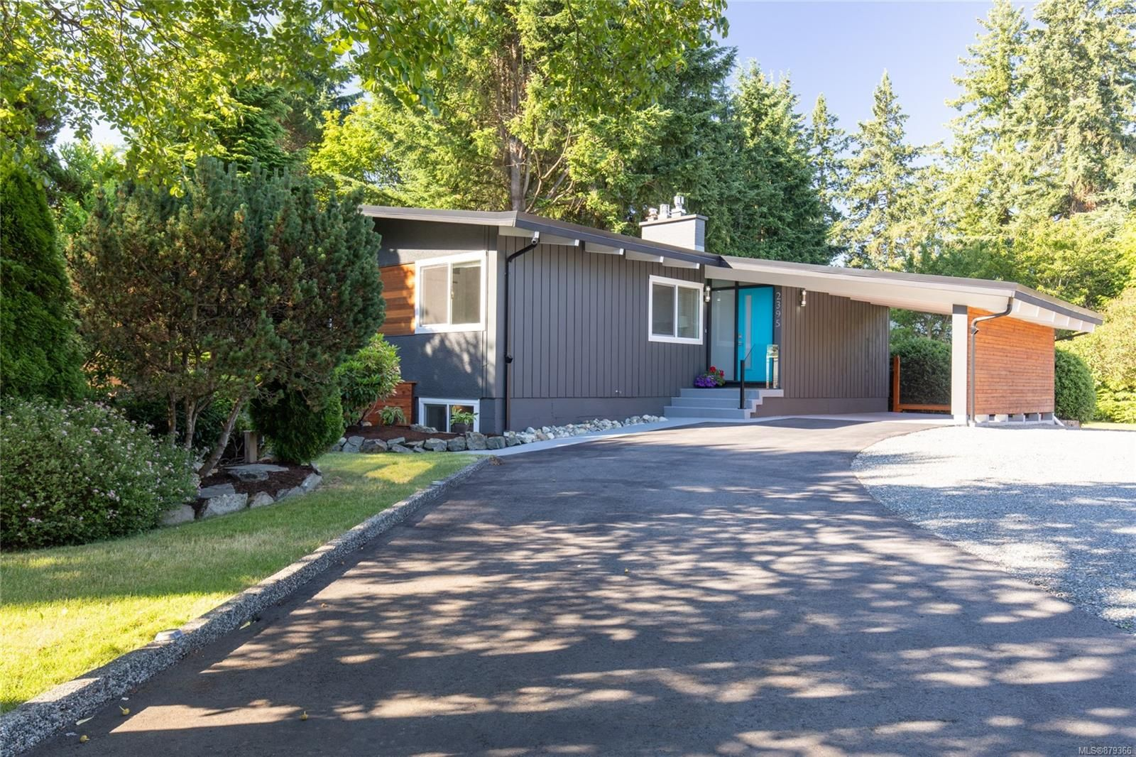 Main Photo: 2395 Marlborough Dr in : Na Departure Bay House for sale (Nanaimo)  : MLS®# 879366