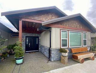"""Photo 2: 6173 MIKA Road in Sechelt: Sechelt District House for sale in """"PACIFIC RIDGE"""" (Sunshine Coast)  : MLS®# R2543749"""