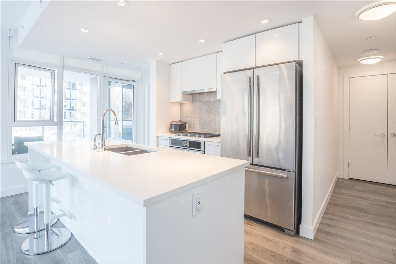 """Photo 3: Photos: 302 8538 RIVER DISTRICT Crossing in Vancouver: South Marine Condo for sale in """"ONE TOWN CENTRE"""" (Vancouver East)  : MLS®# R2430166"""