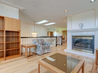 Photo 3: 1252 Crofton Terr in : SE Sunnymead House for sale (Saanich East)  : MLS®# 882403