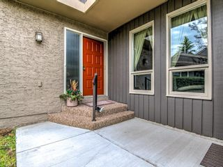 Photo 4: 9 1901 VARSITY ESTATES Drive NW in Calgary: Varsity Row/Townhouse for sale : MLS®# C4303161