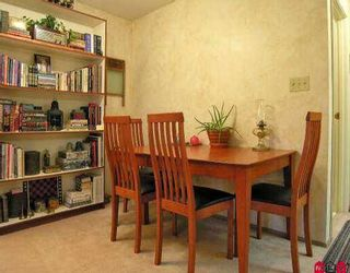 """Photo 4: 2211 13819 100TH AV in Surrey: Whalley Condo for sale in """"CARRIAGE LANE"""" (North Surrey)  : MLS®# F2612353"""