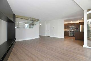 Photo 4: 2208 33 Harbour Square in Toronto: Waterfront Communities C1 Condo for lease (Toronto C01)  : MLS®# C5393126