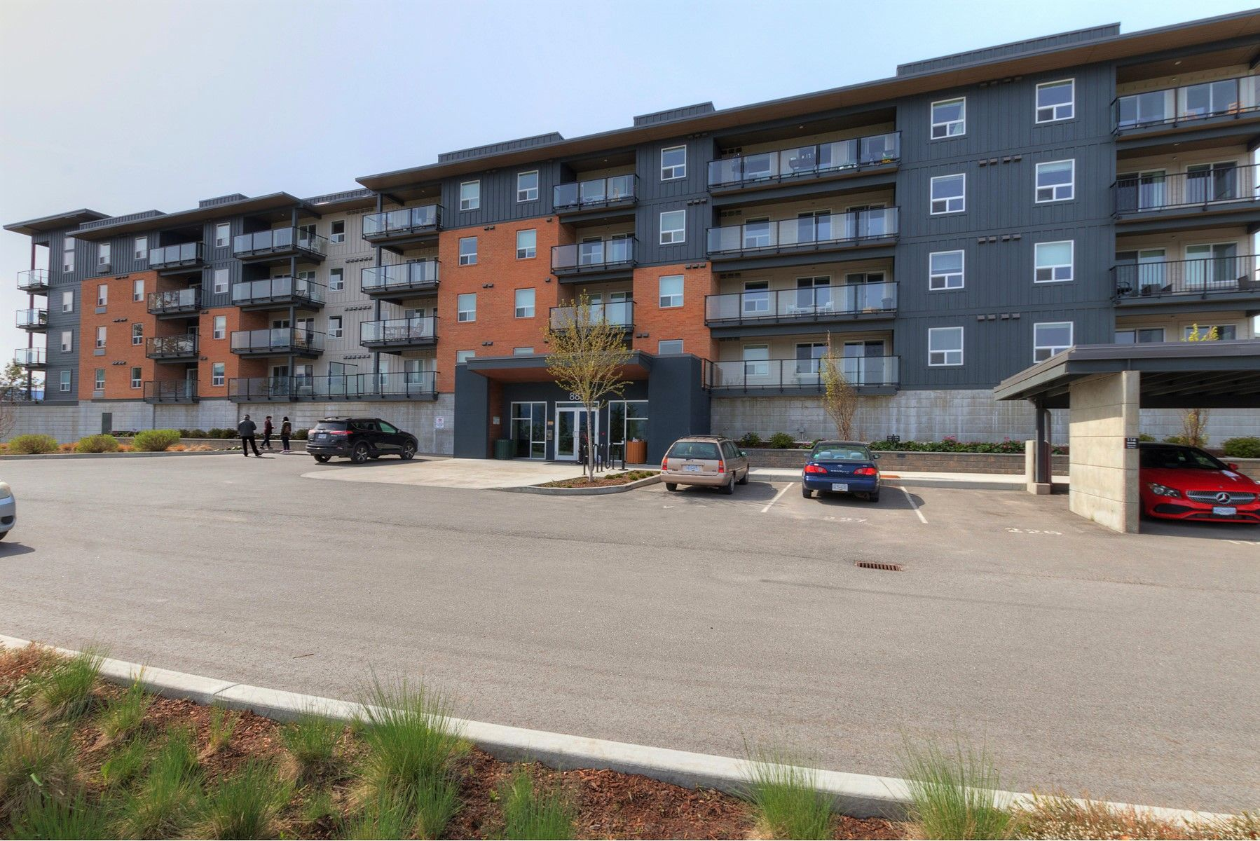 Main Photo: 211 883 Academy Way in Kelowna: University District Multi-family for sale (Central Okanagan)  : MLS®# 10238519