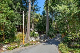Photo 2: 3052 Awsworth Rd in Langford: La Humpback House for sale : MLS®# 887673