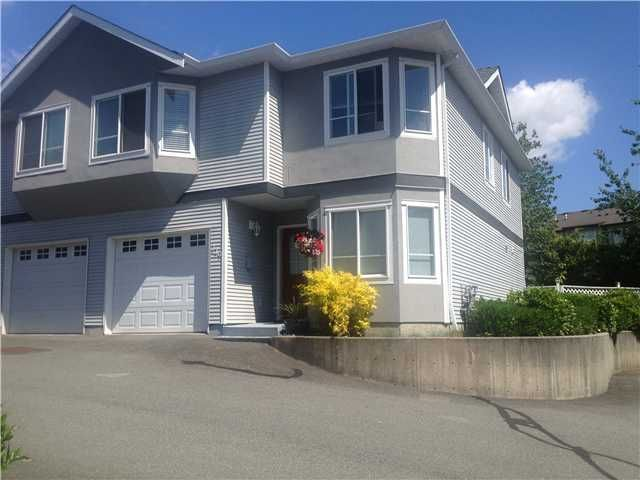 Main Photo: # 119 22950 116TH AV in Maple Ridge: East Central Condo for sale : MLS®# V1012195