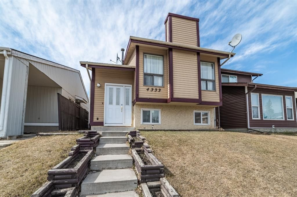Main Photo: 4333 58 Street NE in Calgary: Temple Detached for sale : MLS®# A1092710