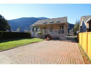 Photo 15: 462 NAISMITH Avenue: Harrison Hot Springs House for sale : MLS®# H1400361