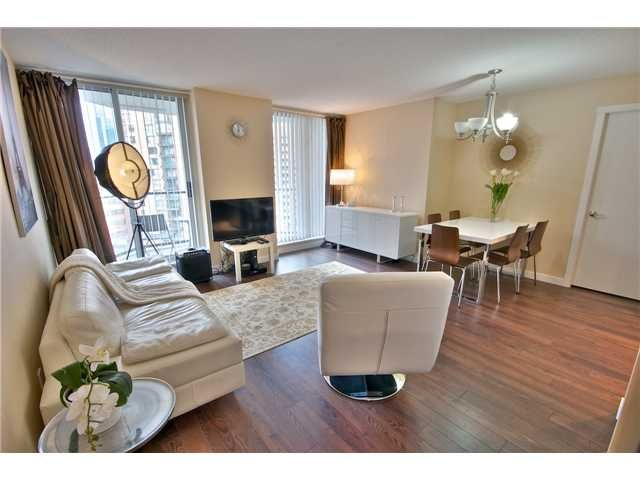 """Main Photo: 1403 1212 HOWE Street in Vancouver: Downtown VW Condo for sale in """"1212 Howe"""" (Vancouver West)  : MLS®# V1000365"""