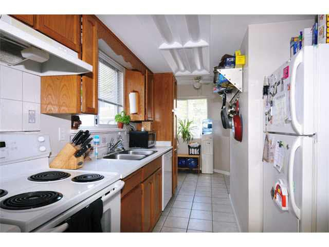 Photo 2: Photos: 128 11255 HARRISON Street in Maple Ridge: East Central Townhouse for sale : MLS®# V1079584