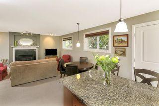 Photo 5: 2 727 Linden Ave in : Vi Fairfield West Condo for sale (Victoria)  : MLS®# 731385