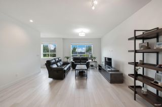 """Photo 2: 5 16760 25 Avenue in Surrey: Grandview Surrey Townhouse for sale in """"Hudson"""" (South Surrey White Rock)  : MLS®# R2615603"""