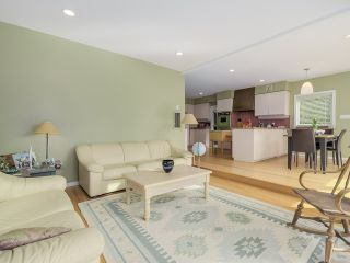 """Photo 10: 3090 W 45TH Avenue in Vancouver: Kerrisdale House for sale in """"Kerrisdale"""" (Vancouver West)  : MLS®# V1112063"""