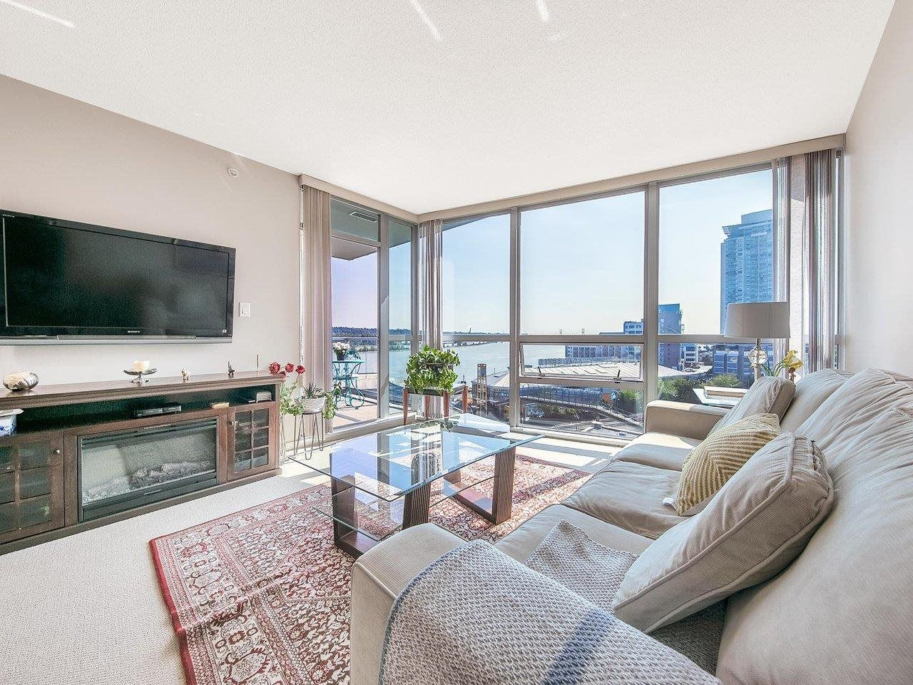 """Main Photo: 910 14 BEGBIE Street in New Westminster: Quay Condo for sale in """"INTERURBAN"""" : MLS®# R2605059"""
