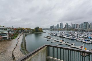 Photo 3: 247 658 LEG IN BOOT SQUARE in Vancouver: False Creek Condo for sale (Vancouver West)  : MLS®# R2118181