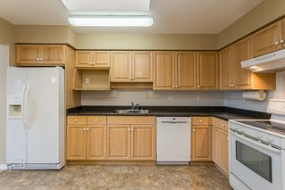 """Photo 6: 411 32044 OLD YALE Road in Abbotsford: Abbotsford West Condo for sale in """"Green Gables"""" : MLS®# R2611024"""