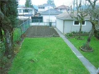 Photo 10: 2871 KITCHENER Street in Vancouver: Renfrew VE House for sale (Vancouver East)  : MLS®# V942070
