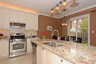 Photo 9: 10 Wintam Place in Markham: Victoria Square House (2-Storey) for sale : MLS®# N2926011
