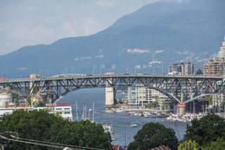 "Photo 3: 208 943 W 8TH Avenue in Vancouver: Fairview VW Condo for sale in ""Southport"" (Vancouver West)  : MLS®# R2487297"