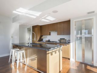 """Photo 13: 2001 1055 RICHARDS Street in Vancouver: Downtown VW Condo for sale in """"Donovan"""" (Vancouver West)  : MLS®# R2555936"""
