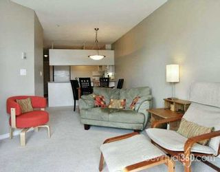 """Photo 1: 1032 QUEENS Ave in New Westminster: Uptown NW Condo for sale in """"QUEENS TERRACE"""" : MLS®# V615158"""