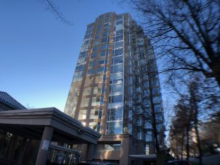 "Main Photo: 1201 2668 ASH Street in Vancouver: Fairview VW Condo for sale in ""CAMBRIDGE GARDENS"" (Vancouver West)  : MLS®# R2528677"