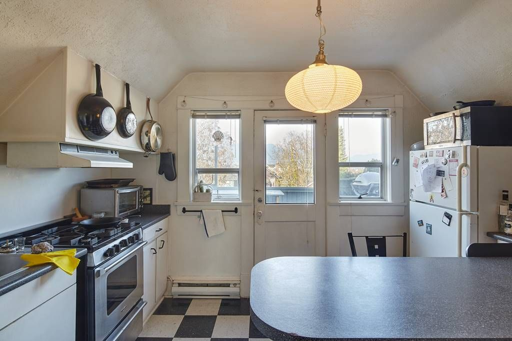 Photo 6: Photos: 1943 NAPIER Street in Vancouver: Grandview Woodland House for sale (Vancouver East)  : MLS®# R2423548