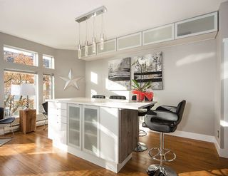 """Photo 5: 1 233 E 6TH Street in North Vancouver: Lower Lonsdale Townhouse for sale in """"ST ANDREWS HOUSE"""" : MLS®# R2023614"""
