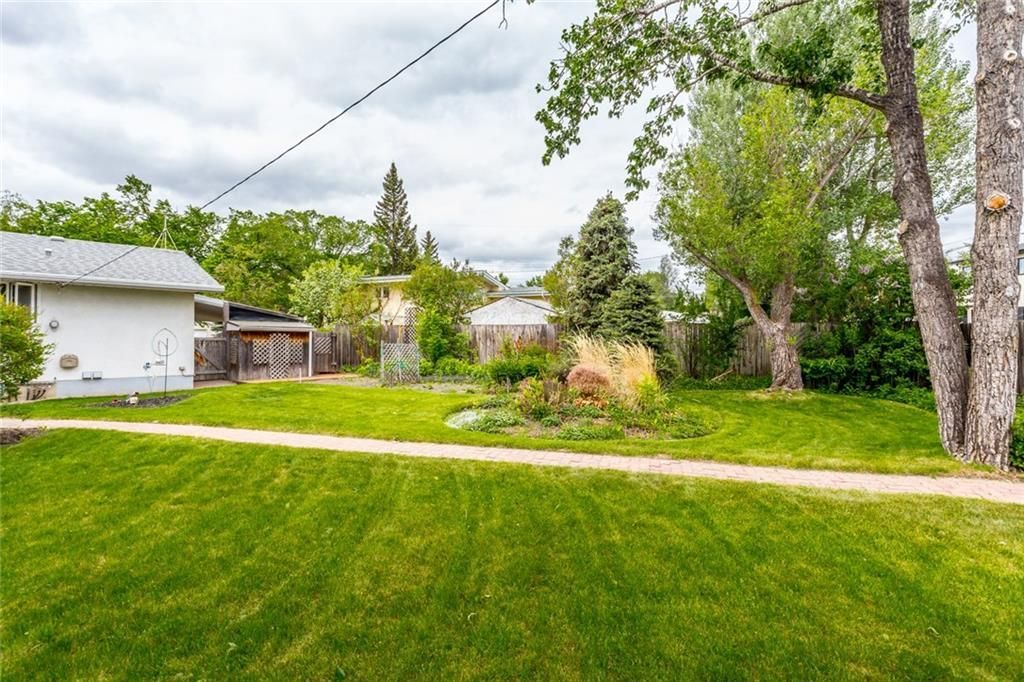 Photo 12: Photos: 6312 LYNCH Crescent SW in Calgary: Lakeview House for sale : MLS®# C4187228