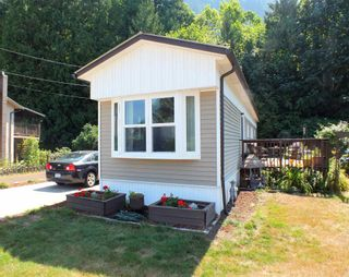 Photo 3: 1 63844 BAILEY Crescent in Hope: Hope Silver Creek Manufactured Home for sale : MLS®# R2607232