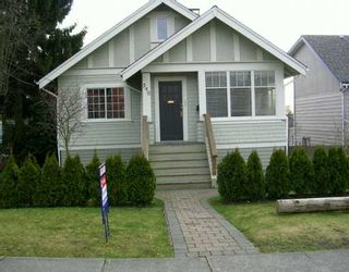 Photo 1: 349 E 8TH ST in North Vancouver: Central Lonsdale House for sale : MLS®# V573980