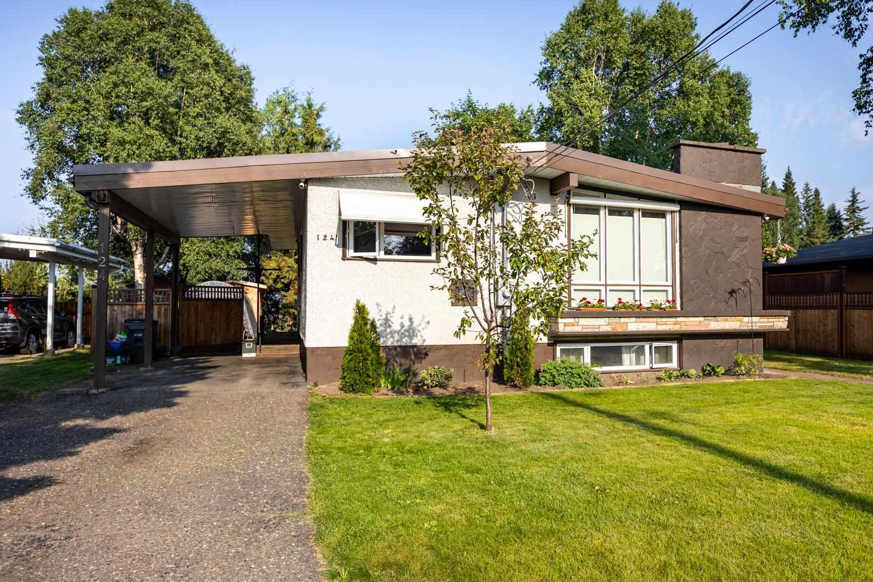 """Main Photo: 124 DOUGLAS Street in Prince George: Nechako View House for sale in """"NECHAKO VIEW"""" (PG City Central (Zone 72))  : MLS®# R2601406"""