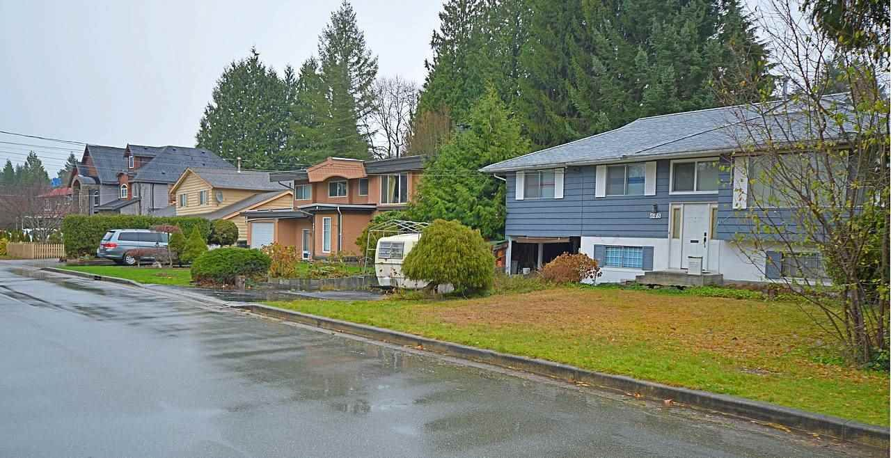 Photo 4: Photos: 645 CYPRESS Street in Coquitlam: Central Coquitlam House for sale : MLS®# R2017158