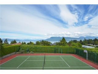 Photo 2: 5665 CHANCELLOR BV in Vancouver: University VW House for sale (Vancouver West)  : MLS®# V1053289