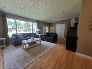 """Photo 3: 1041 STIRLING Drive in Prince George: Highland Park House for sale in """"Highland Park"""" (PG City West (Zone 71))  : MLS®# R2589590"""