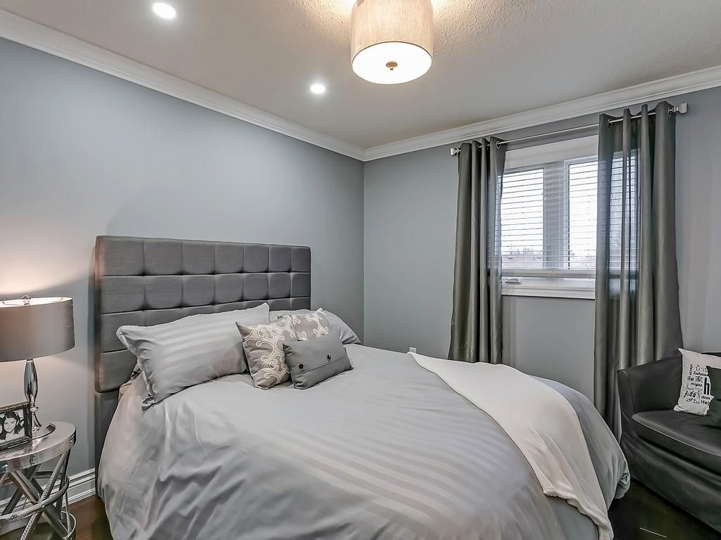 Photo 21: Photos: 2140 SIXTH Line in Oakville: Residential for sale : MLS®# H4068509