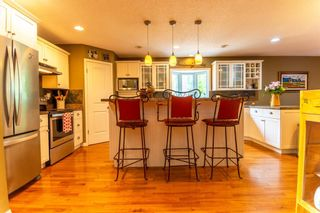 Photo 15: 4 Silvergrove Place NW in Calgary: Silver Springs Detached for sale : MLS®# A1148856
