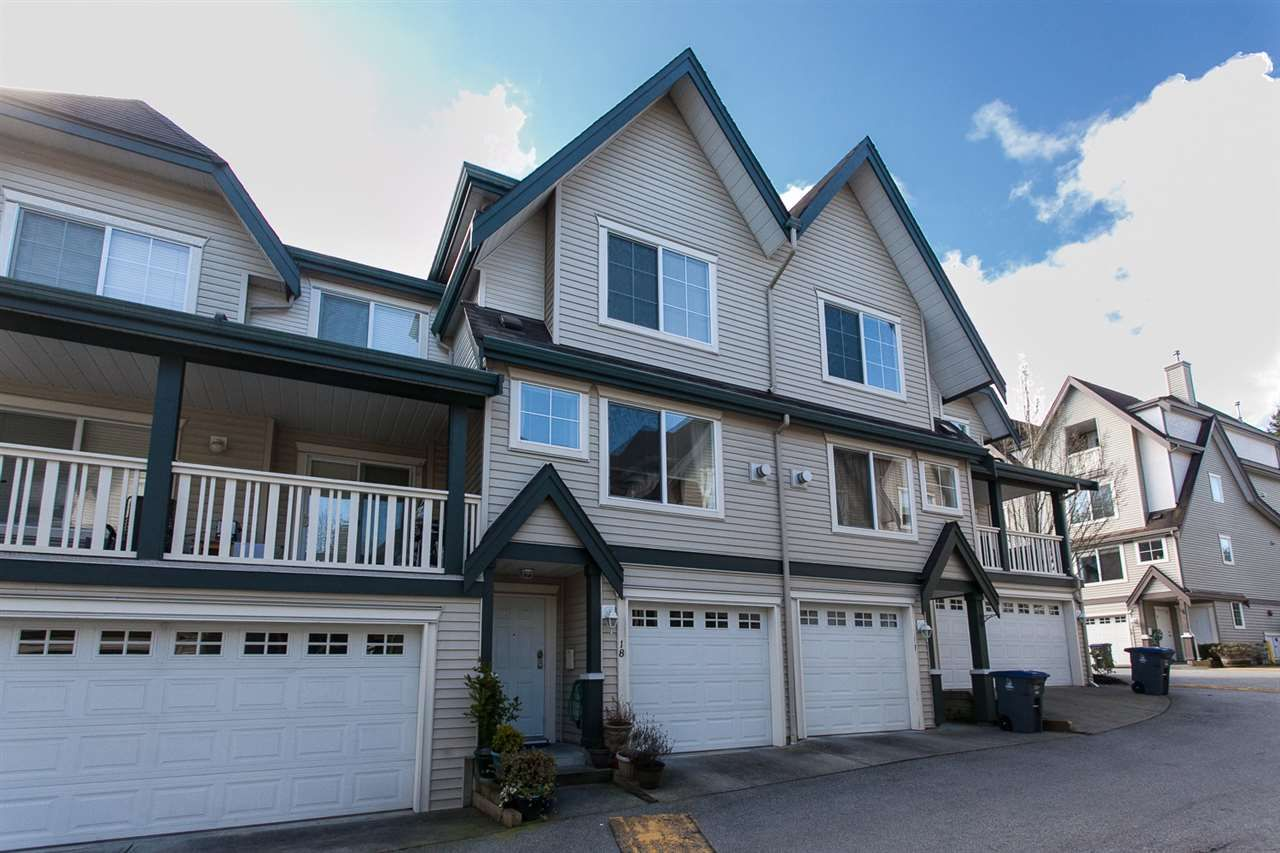 Main Photo: 18 15355 26 AVENUE in : King George Corridor Townhouse for sale : MLS®# R2252383
