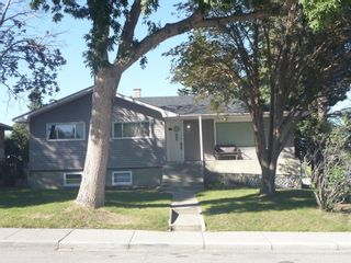 Main Photo: 204 Blackthorn Road NW in Calgary: Thorncliffe Detached for sale : MLS®# A1143074