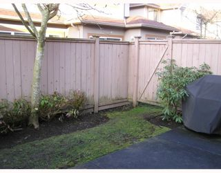 """Photo 10: 4 11888 MELLIS Drive in Richmond: East Cambie Townhouse for sale in """"PARC CAMELOT"""" : MLS®# V755364"""