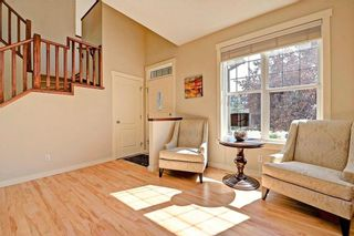 Photo 2: 28 DISCOVERY RIDGE Mount SW in Calgary: Discovery Ridge House for sale : MLS®# C4161559