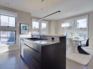 Photo 9: 2006 40 Avenue SW in Calgary: Altadore Semi Detached for sale : MLS®# C4282487