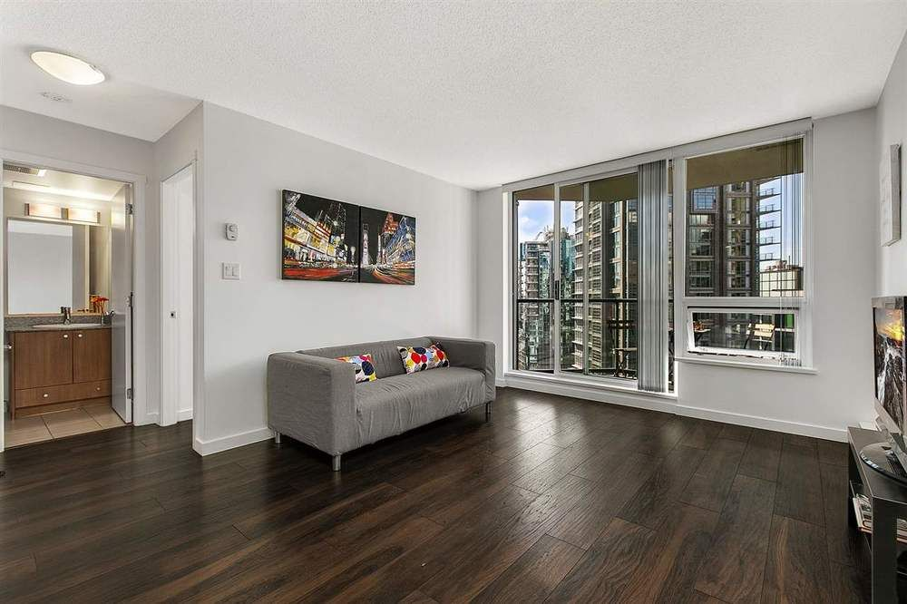 Main Photo: 1506 1212 HOWE STREET in Vancouver West: Downtown VW Home for sale ()  : MLS®# R2382058